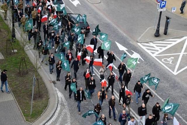 W marszu upamiętniającym 82. rocznicę założenia Obozu Narodowo-Radykalnego uczestniczyło kilkaset osób z całej Polski