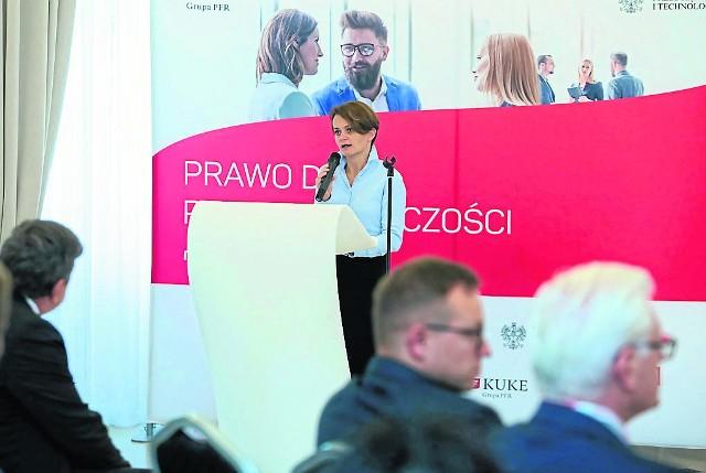 Jadwiga Emilewicz: Chcemy większego udziału małych i średnich firm w zamówieniach publicznych