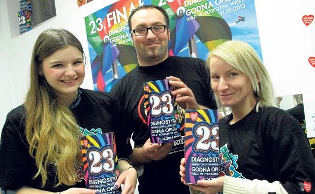 Koszaliński sztab WOŚP odebrał już 500 puszek, do których 11 stycznia 2015 roku  wolontariusze zbierać będą datki na diagnostykę małych pacjentów pediatrii i onkologii oraz opiekę seniorów.