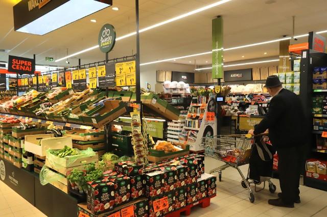 Sosnowiec. Najnowocześniejsza Biedronka w Zagłębiu już działa. Bardziej ekologiczny sklep już zaprasza klientów na zakupy.Zobacz kolejne zdjęcia. Przesuwaj zdjęcia w prawo - naciśnij strzałkę lub przycisk NASTĘPNE