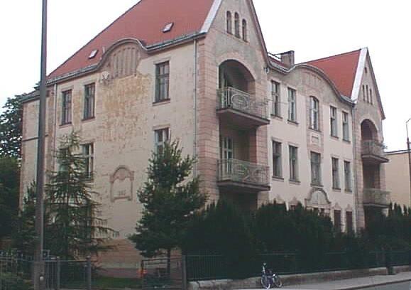 Gmina Nysa może przejąć 146 budynków, wśród nich kilka w centrum miasta, między innymi dawne kasyno wojskowe.