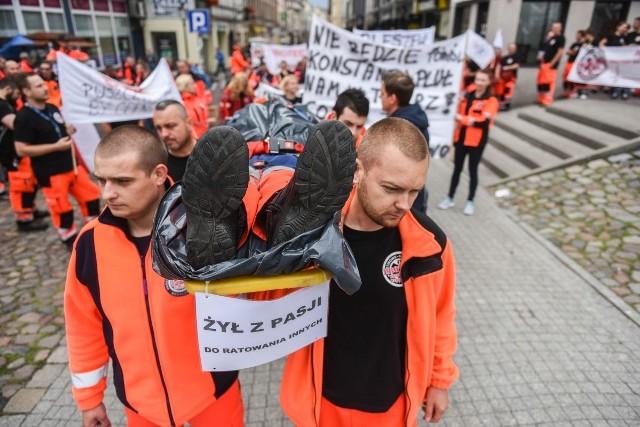 Protest ratowników medycznych w Poznaniu