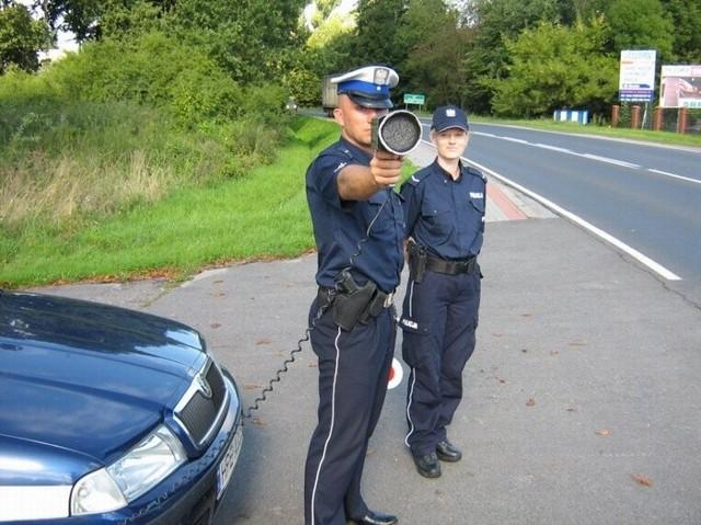 W sumie aż 425 kierowców zostało ukaranych mandatami za zbyt szybką jazdę.