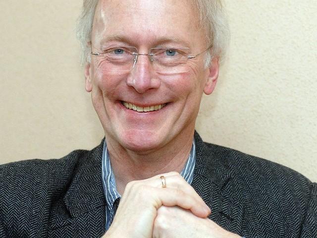 Profesor Paweł Januszewicz w Rzeszowie piastuje funkcję dyrektora Instytutu Pielęgniarstwa i Nauk o Zdrowiu Wydziału Medycznego w Uniwersytecie Rzeszowskim.
