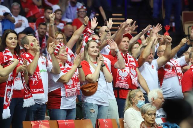 Polska Słowenia na Mistrzostwach Europy w Katowicach. Kibice w biało-czerwonych barwach