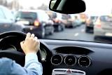 Dojazd do pracy w czasie koronawirusa. Czy można jeździć do pracy samochodem z kilkoma osobami? Dojazd do pracy do innego miasta