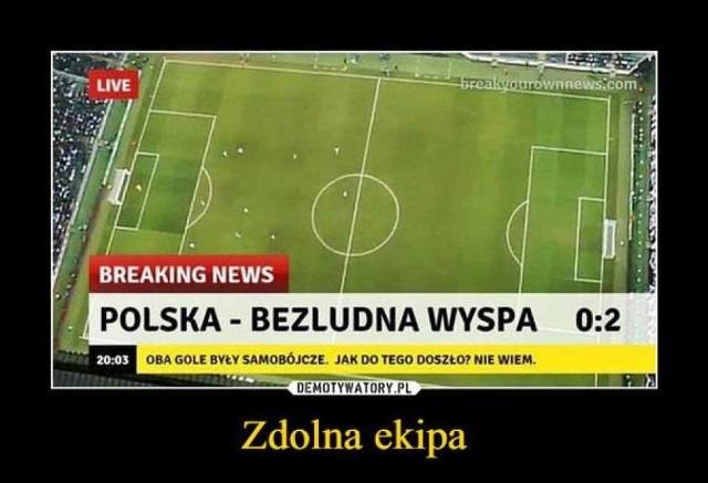 Każdy wie, że piłka łączy piłkarzy i kibiców. Najwierniejsi kibice nie odwracają się od swoich drużyn nawet w obliczu przegranych. Zawsze jednak można z humorem spojrzeć na każdą sytuację. Internet od dawna komentuje zwycięstwa i porażki, zwłaszcza polskiej reprezentacji. Zobacz najlepsze piłkarskie memy!