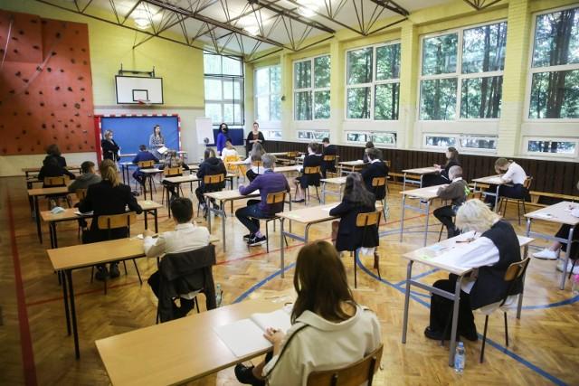 Szkola podstawowa z oddzialem integracyjnym nr 12,  egzamin osmoklasisty.