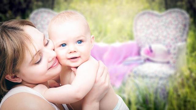 DZIEŃ MATKI ŻYCZENIA: Już 26 maja obchodzimy Dzień Matki. Tutaj znajdziesz najlepsze ŻYCZENIA DLA MAMY. Złóż ŻYCZENIA NA DZIEŃ MATKI:Moja mama jest jak wiosna, taka piękna i radosna.Kocha mnie, ja o tym wiem i ja mamo kocham Cię.