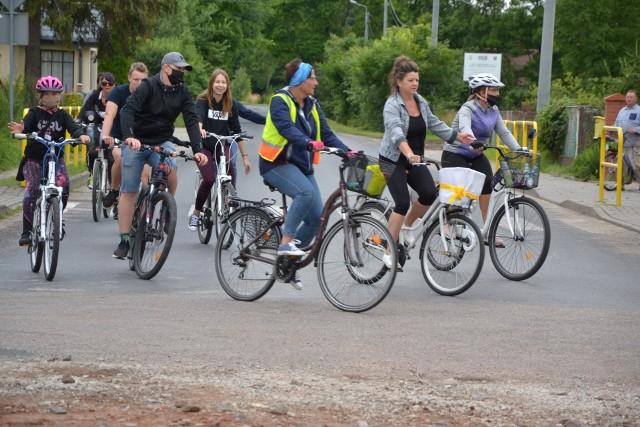 Wycieczka rowerowa  zorganizowana w ubiegłym roku przez Ośrodek Kultury i Bibliotekę Gminy Wielgie cieszyła się dużym zainteresowaniem