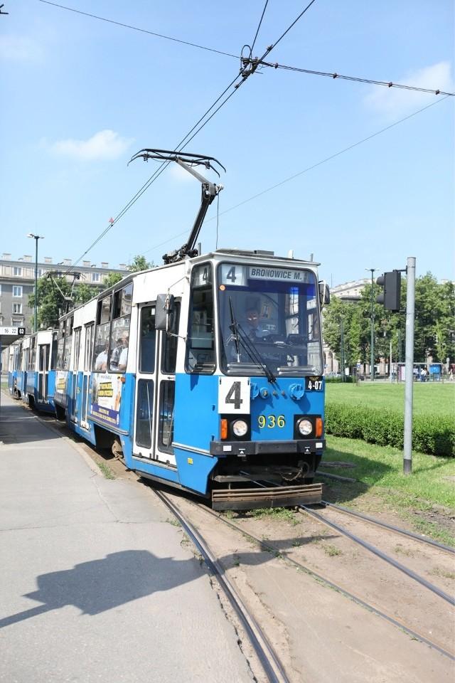40 lat temu na krakowskie torowiska po raz pierwszy wyjechał  tramwaj 105N, produkowany w chorzowskim przedsiębiorstwie Konstal.