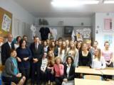 Ambasador Francji Pierre Buhler gościem lubelskiego Gimnazjum nr 9