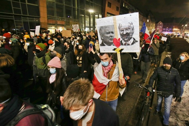 Protest - spacer po centrum Wrocławia, piątek 29 stycznia 2021