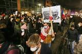 Protestujący przeszli przez Wrocław. Zablokowali centrum miasta [ZDJĘCIA]