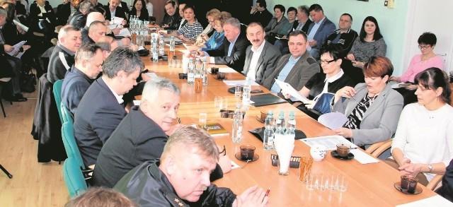 Spotkanie organizacyjne w sprawie Światowych Dni Młodzieży 2016 odbyło się  w sali konferencyjnej ratusza w Kazimierzy Wielkiej.
