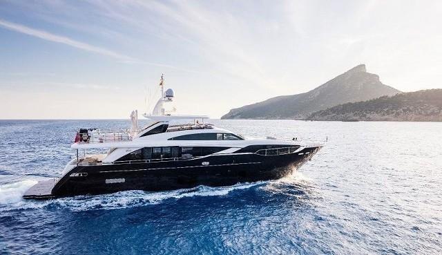 Według informacji brytyjskiego producenta, jacht Princess 30M028 to jedna z najbardziej luksusowych jednostek w ofercie stoczni.