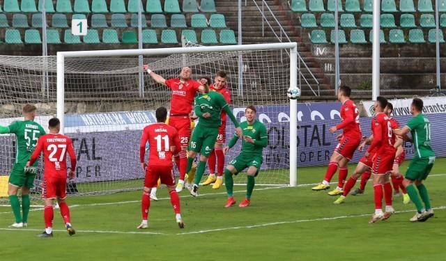 07.05.2021. Zagłębie Sosnowiec przegrało na Stadionie Ludowym z Radomiakiem 0:1. Wtedy na trybunach nie było jeszcze kibiców. Teraz wracają!