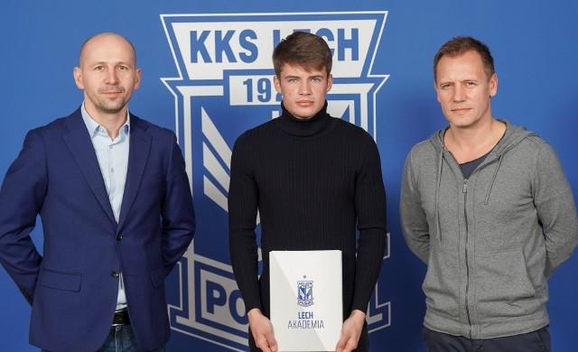 Krystian Palacz urodził się w 2003 roku i jest jednym z najbardziej obiecujących zawodników Lecha Poznań. Jest już włączony do kadry pierwszego zespołu.