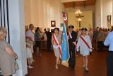 Żary. Tak w mieście uczczono Święto Wojska Polskiego. Msza za Ojczyznę, a potem kwiaty pod pomnikiem.