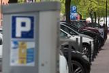 W Sopocie płatne parkowanie 2 godziny dłużej. Opozycja - gorzej niż w Barcelonie. Prezydent nie zna sopockich stawek