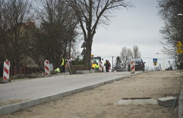 Modernizacja ul. Dworcowej i budowa drogi w Skibie ma się zakończyć do wakacji.