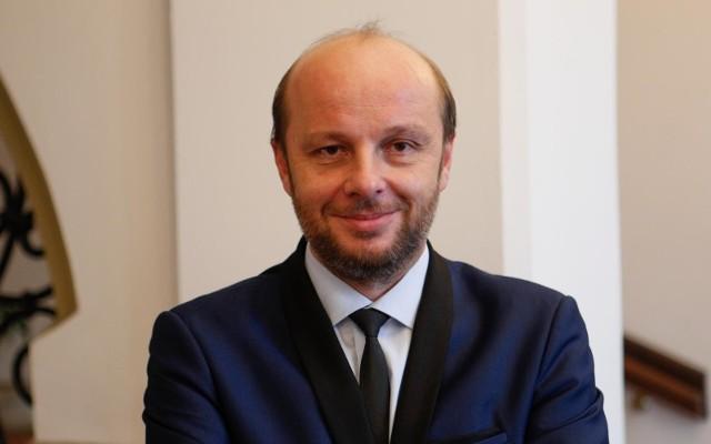 Jak ustaliliśmy, kandydatem ma być Konrad Fijołek, wiceprzewodniczący Rady Miasta Rzeszowa, lider Rozwoju Rzeszowa.