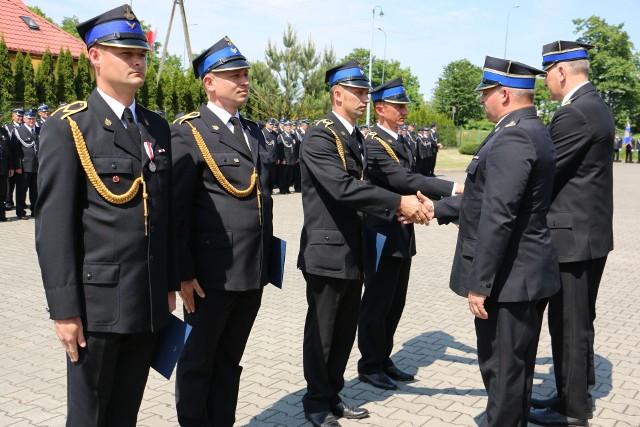 W minioną sobotę przed komendą PSP odbył się Powiatowy Dzień Strażaka, podczas którego padło wiele ciepłych słów w kierunku druhów i strażaków, były także nagrody i odznaczenia.