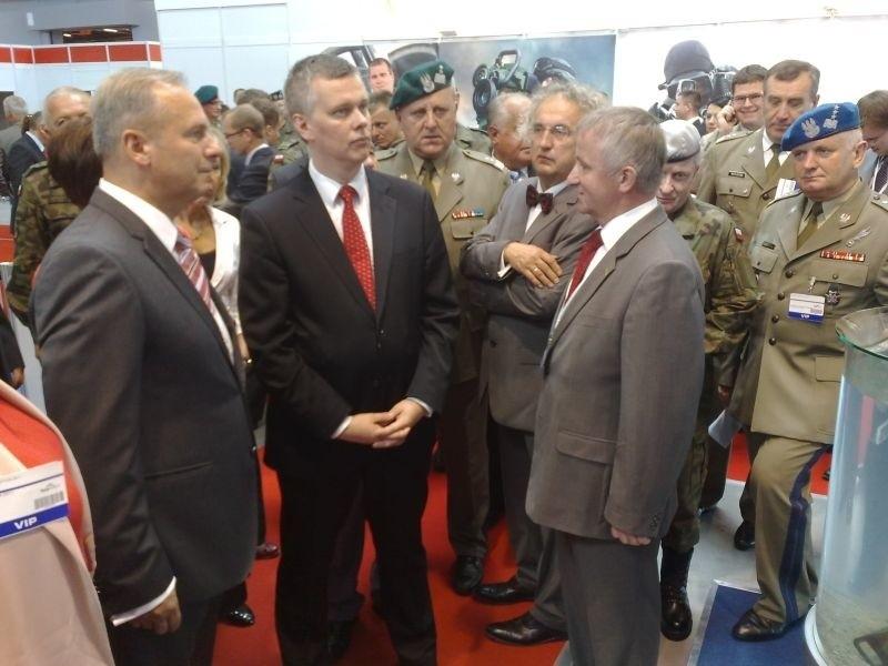 Minister obrony narodowej Tomasz Siemoniak otworzył salon obronny w Kielcach.