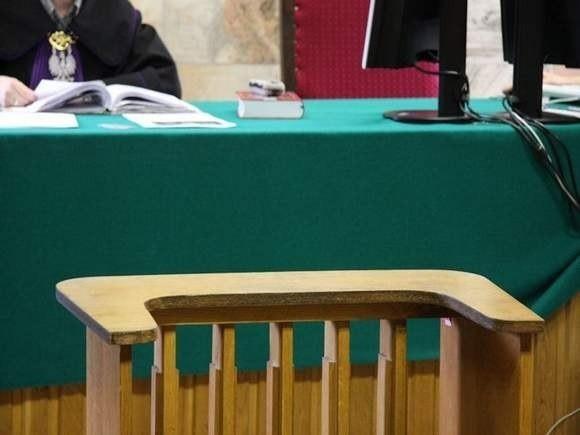 Aleksander L.powinien stanąć przed Sądem Rejonowym w Opolu, ale na pierwszą rozprawę nie dotarł.