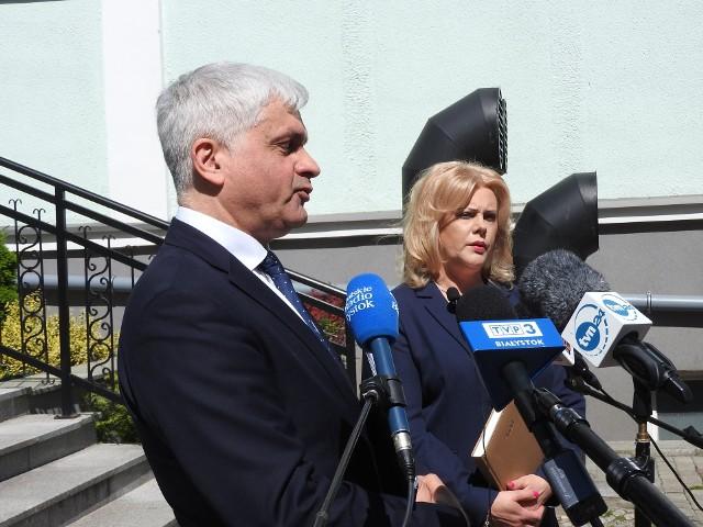 Wiceprezes Elżbieta Chalecka poinformowała na konferencji z wojewodą podlaskim Bohdanem Paszkowskim, że spółdzielnia skorzystała z dofinansowania do wynagrodzeń pracowników i pomocy do składek ZUS