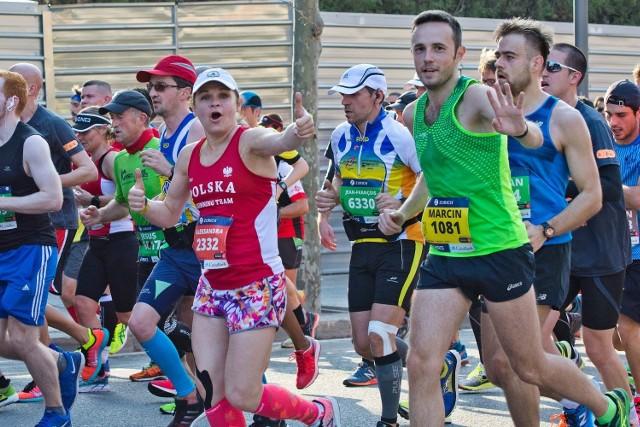 Marcin Dulnik, znany biegacz i bloger na trasie tegorocznego maratonu w Barcelonie