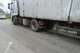 Policyjne uderzenie w nielegalny przewóz odpadów pod Pakością. Zobaczcie zdjęcia