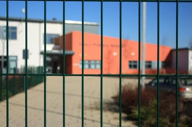 Zespół Szkół Technicznych zamykany podczas przerw. Rodzic skarży się na szkolną dyscyplinę
