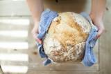 Przepis na chleb. Jak zrobić chleb na zakwasie i bez zakwasu. Sprawdzone przepisy na zakwas chlebowy i pieczenie chleba  [PRZEPISY]