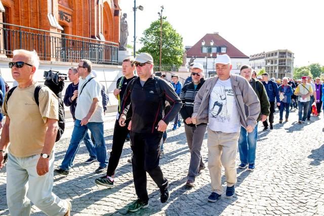 W maju do Krypna pielgrzymowali mężczyźni
