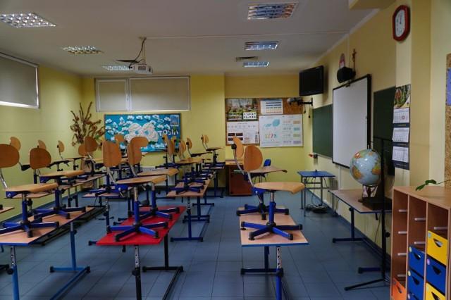 Pod koniec tygodnia rząd podejmie decyzję w sprawie ewentualnego powrotu uczniów do szkół i przedszkoli po 11 kwietnia.