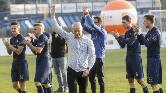 Stal Rzeszów pokonała na wyjeździe Podlasie Biała Podlaska 7:0, co jest najwyższą ligową wygraną pod wodzą Janusza Niedźwiedzia