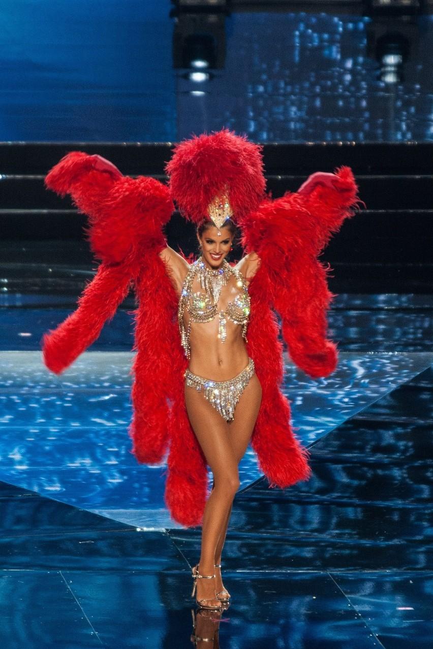 Miss Francji Iris Mittenaere podczas konkursu Miss Universe...