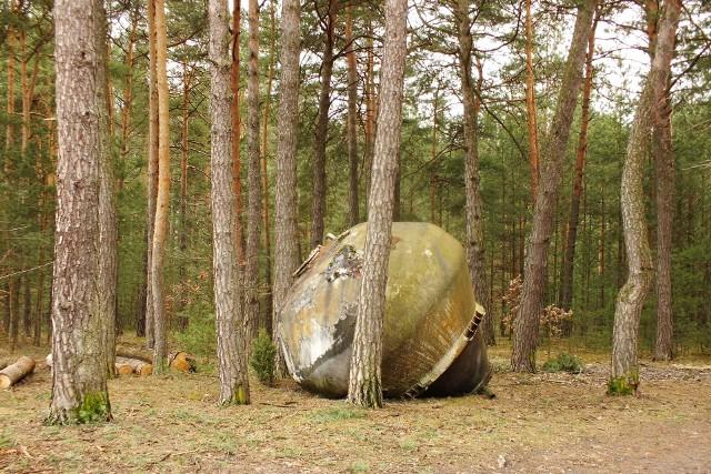 Tajemniczy obiekt znajduje się w okolicach Rudy Zajączkowskiej i Gnieździsk w gminie Łopuszno.