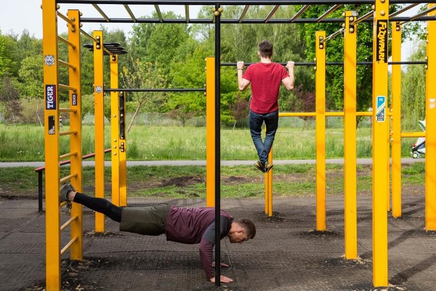 - Znaczna część Polaków podejmuje aktywność fizyczną na...