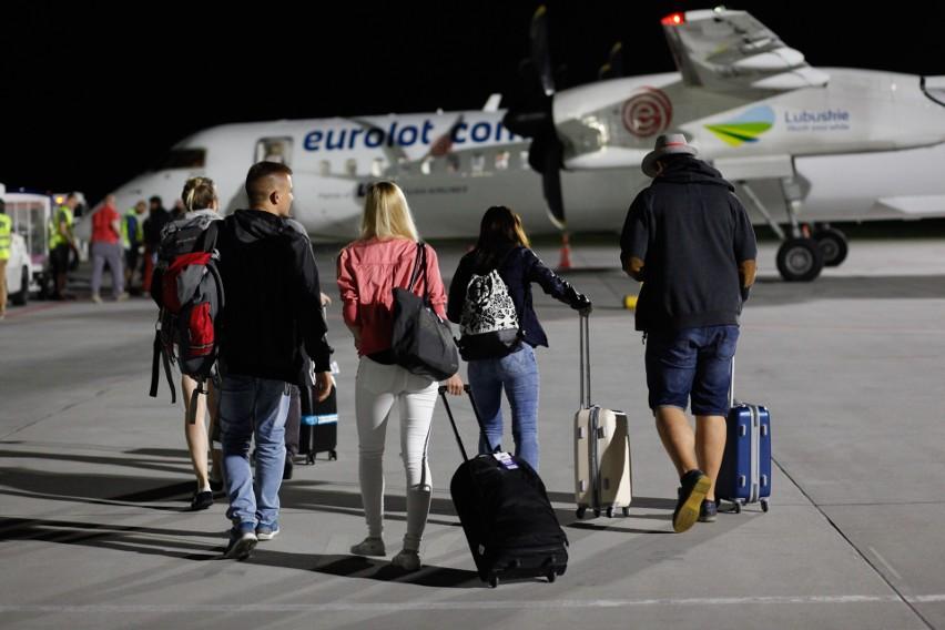 Wiedza Polaków na temat praw pasażerów, w tym możliwości otrzymania odszkodowania zaproblematyczny lot, jest znikoma.