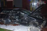 Wypadek w Dąbrowie Górniczej. Audi wjechało w budynek. 23-latka w ciężkim stanie