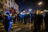 Prokuratura sprawdza, czy bydgoska policja przekroczyła uprawnienia podczas protestu kobiet i czy naruszyła nietykalność cielesną posłanki