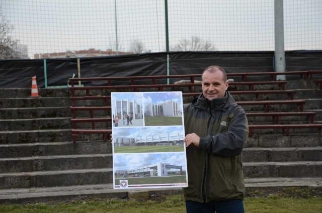 Tadeusz Zapiór w lutym 2016 roku z dumą prezentował wizualizację obiektów klubu. Jeden budynek już stoi
