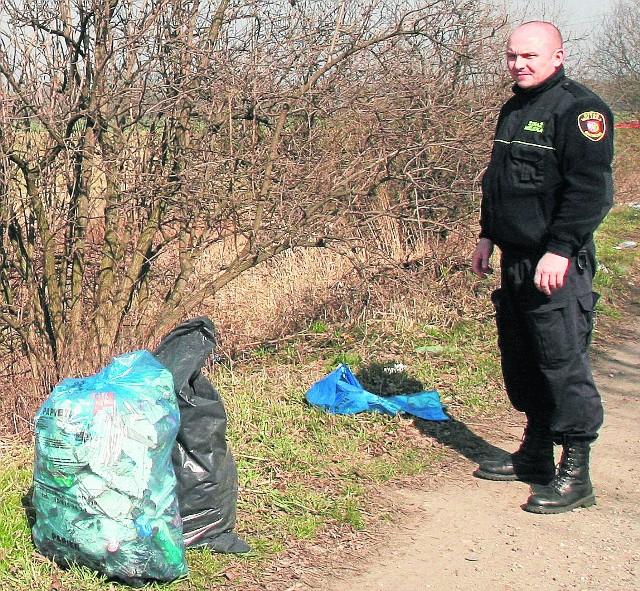 Straż Miejska kontroluje dzikie wysypiska śmieci