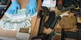 Dolny Śląsk: Nielegalny arsenał broni palnej, 3000 sztuk amunicji i ponad 6 kilogramów marihuany. Zatrzymanym grozi 10 lat