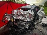 Wypadek na DW 151 na odcinku Zamęcin - Nadarzyn. Nie żyją dwie osoby