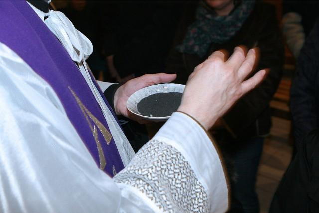 Msza święta online i w TV w Środę Popielcową. Gdzie obejrzeć nabożeństwo 17 lutego 2021 roku?
