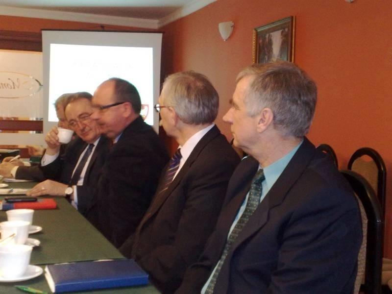 W spotkaniu dotyczącym losów parowozowni udział wzięli  wicemarszałek Wielkopolski Wojciech Jankowiak i dyrektor PKP-Cargo Andrzej Jabłoński