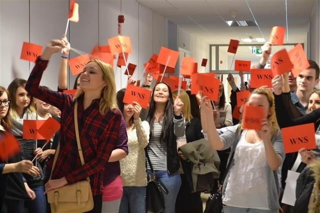 Studenci WNS spotkali się z rektorem i udowodnili, że los wydziału nie jest im obojętny.